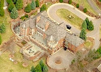Aerial photo of Hawk's castle